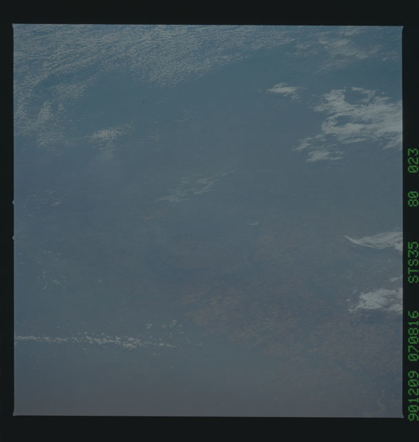 S35-80-088 - STS-035 - Earth observations taken during the STS-35 mission