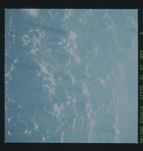 S35-X-017 - STS-035 - ET SEP on STS-35 mission