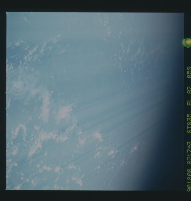 S35-X-022 - STS-035 - ET SEP on STS-35 mission