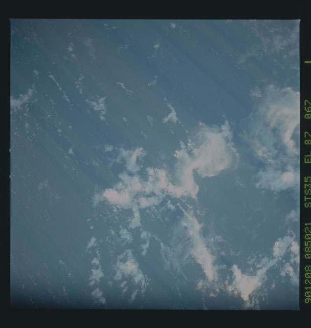 S35-X-030 - STS-035 - ET SEP on STS-35 mission