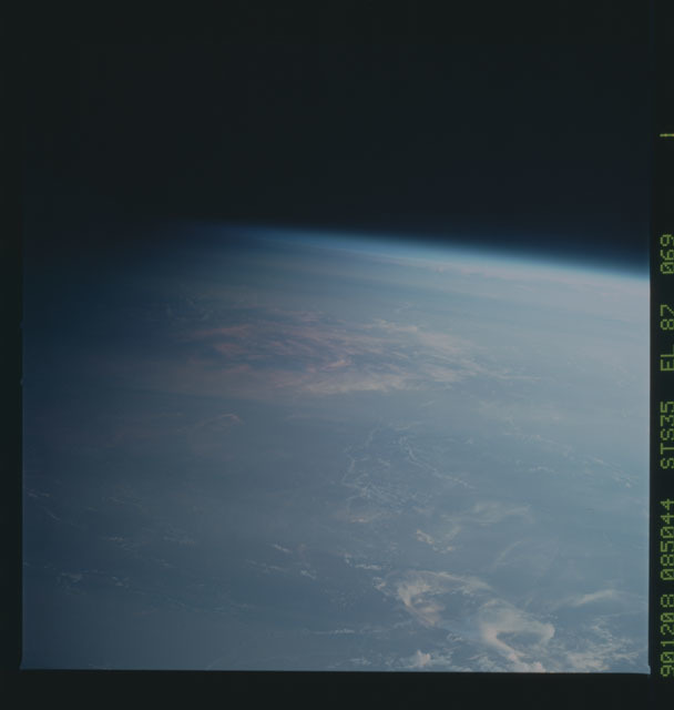 S35-X-032 - STS-035 - ET SEP on STS-35 mission