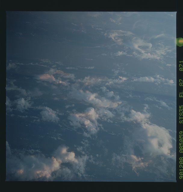 S35-X-034 - STS-035 - ET SEP on STS-35 mission