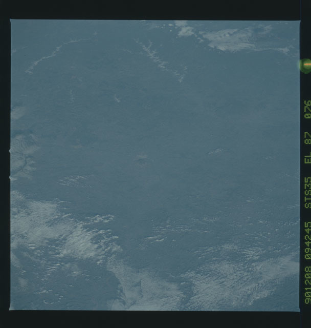 S35-X-039 - STS-035 - ET SEP on STS-35 mission