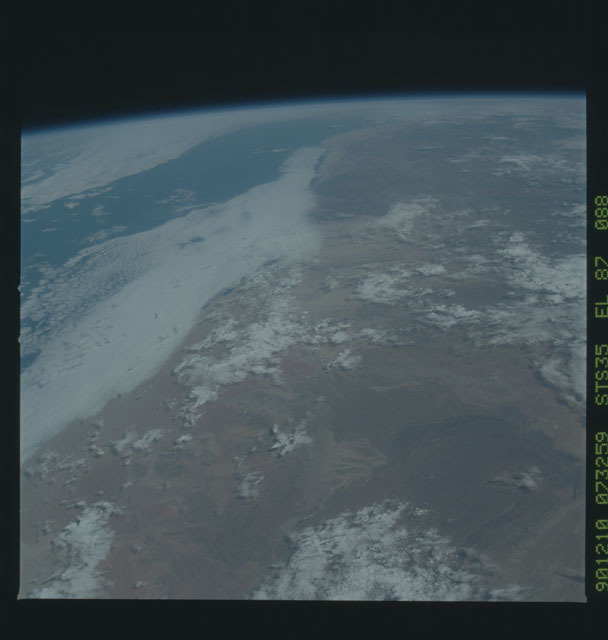 S35-X-051 - STS-035 - ET SEP on STS-35 mission