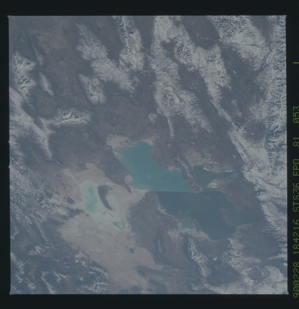 S36-81-053 - STS-036 - Earth observations of Great Salt Lake,Utah taken during the STS-36 mission