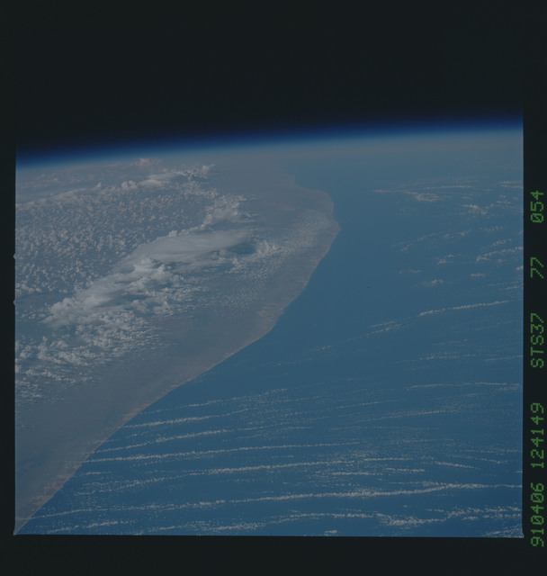 S37-77-054 - STS-037 - Earth observations taken during the STS-37 mission
