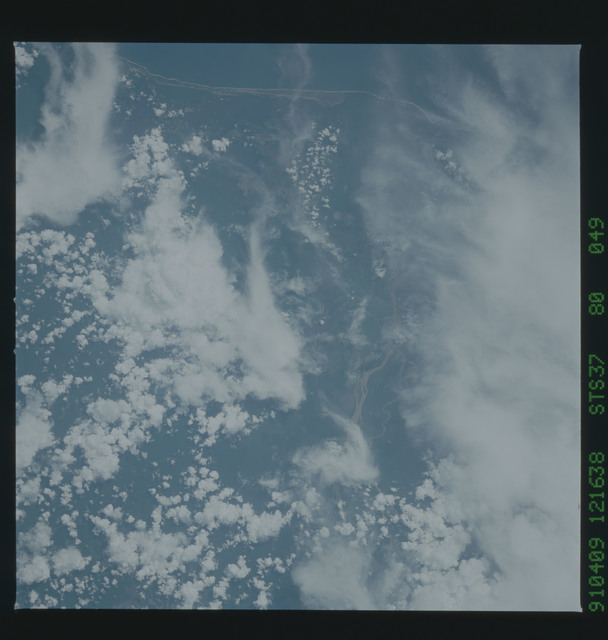 S37-80-049 - STS-037 - Earth observations taken during the STS-37 mission