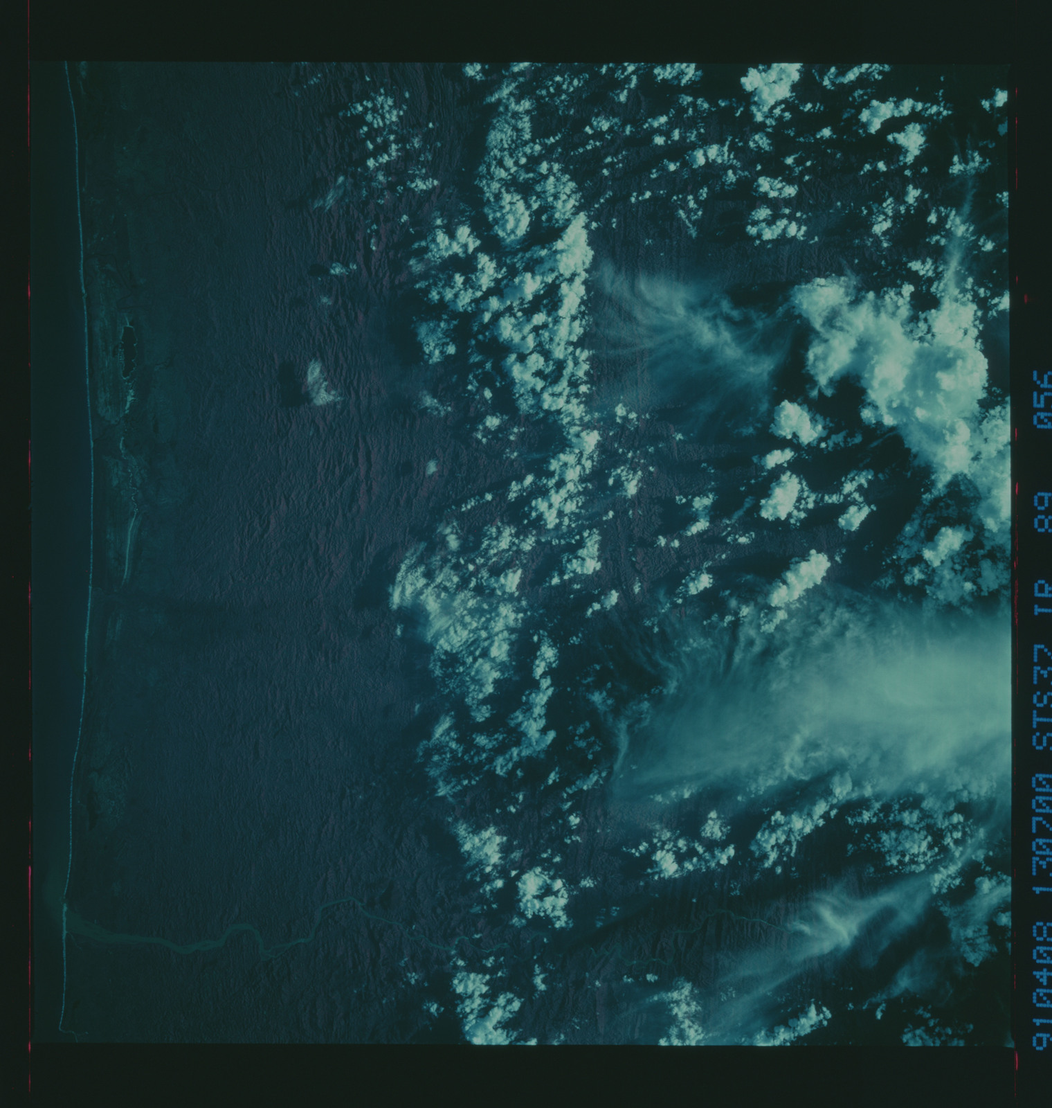 S37-89-056 - STS-037 - Infrared Earth observations taken from OV-104 during STS-37 mission