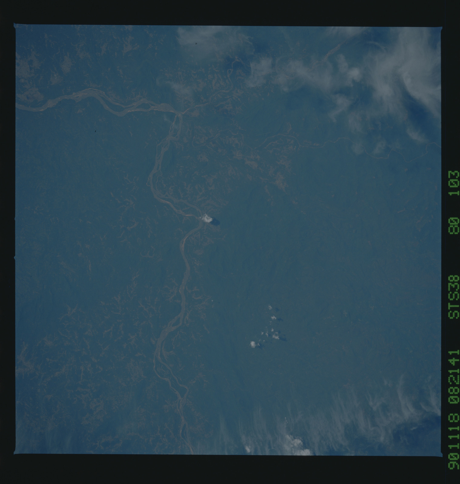 S38-80-103 - STS-038 - STS-38 earth observations