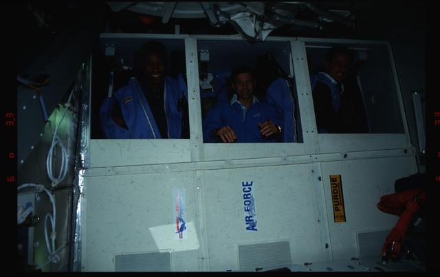 S39-05-012 - STS-039 - STS-39 crewmembers in sleeping berths