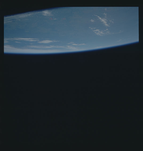 S40-604-017 - STS-040 - Earth observations