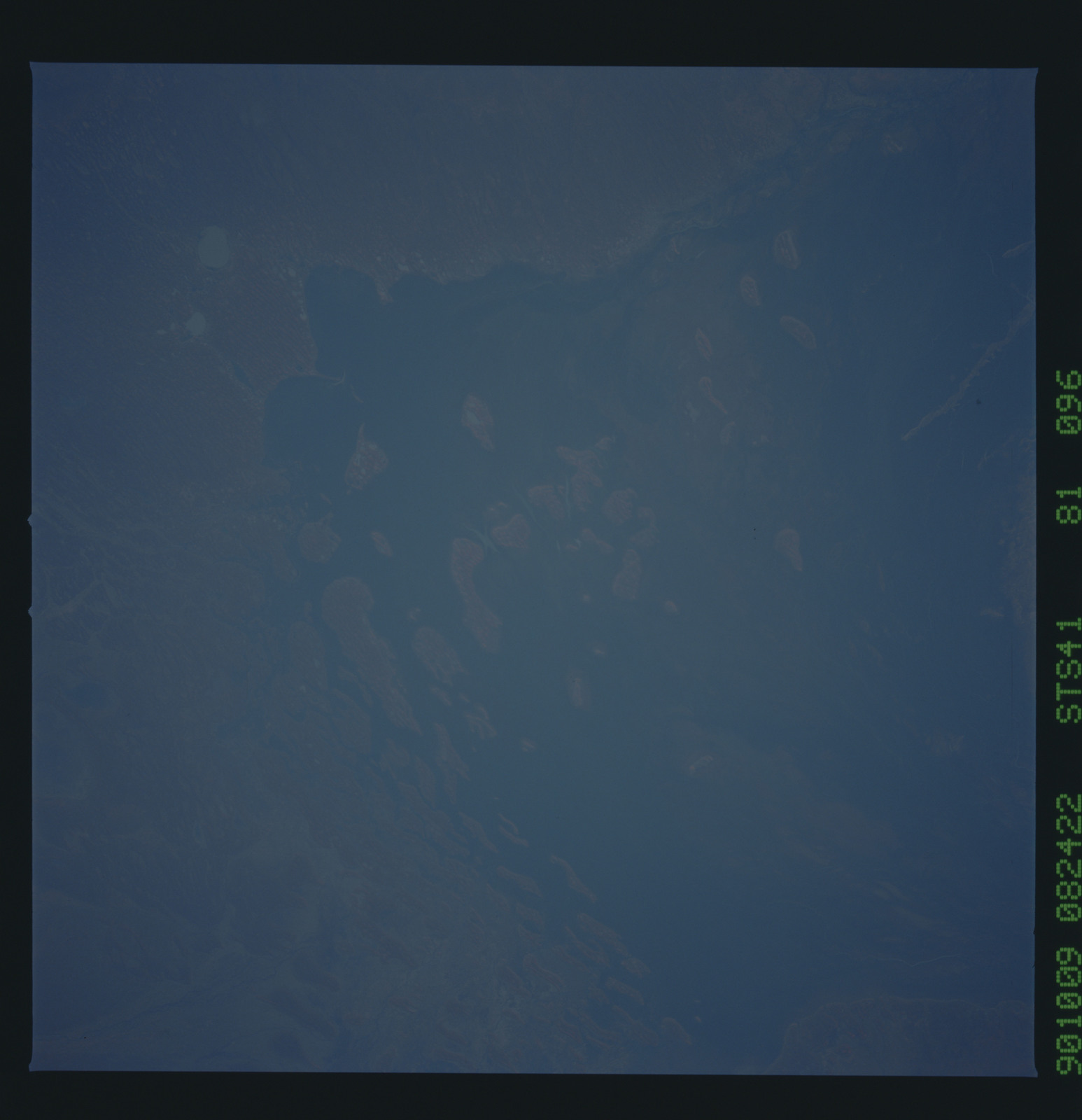 S41-81-096 - STS-041 - STS-41 earth observations