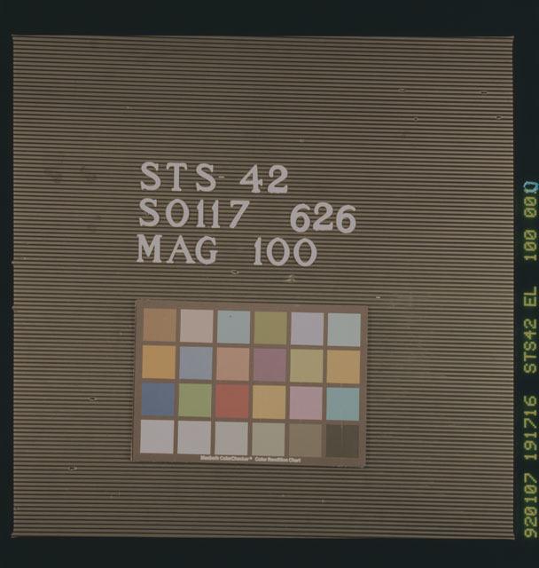 S42-100-000 - STS-042 - Film color bar