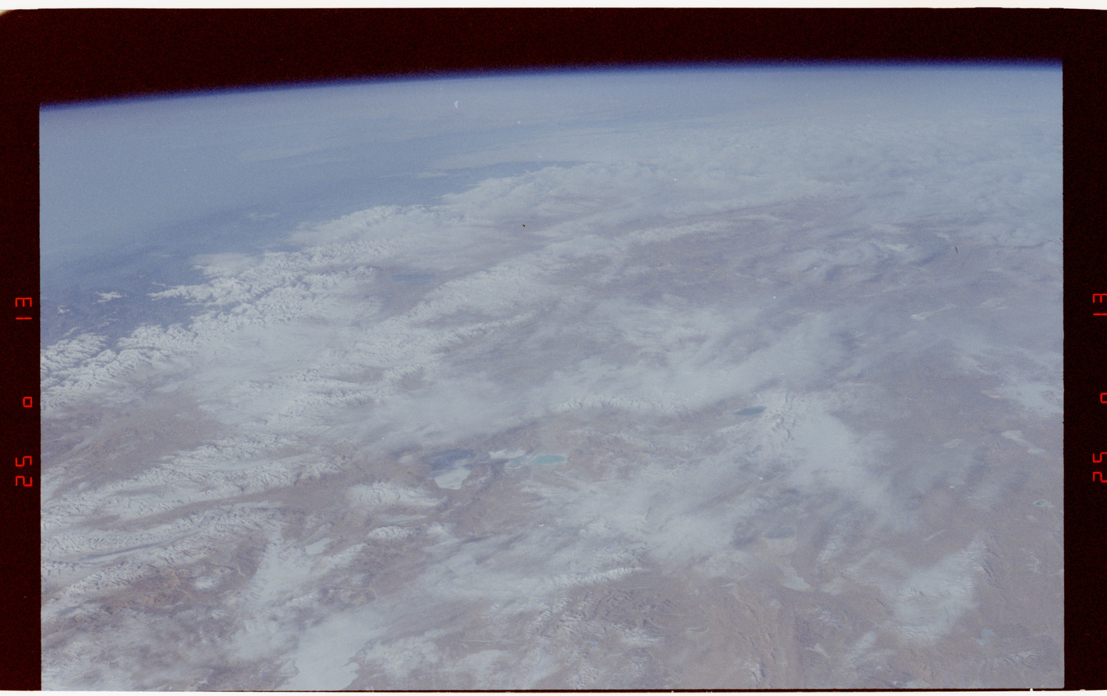 S42-50-001 - STS-042 - STS-42 Earth observations