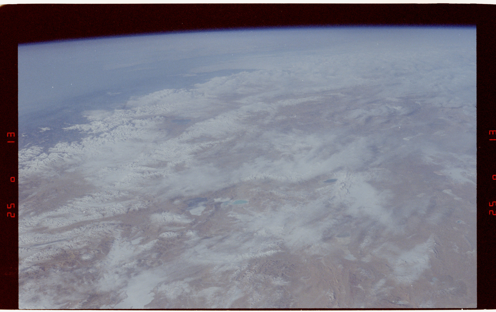 S42-50-004 - STS-042 - STS-42 Earth observations