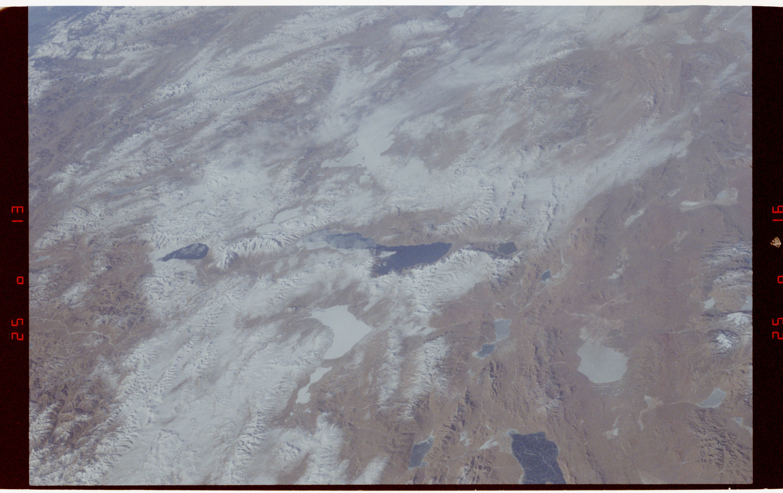 S42-50-009 - STS-042 - STS-42 Earth observations