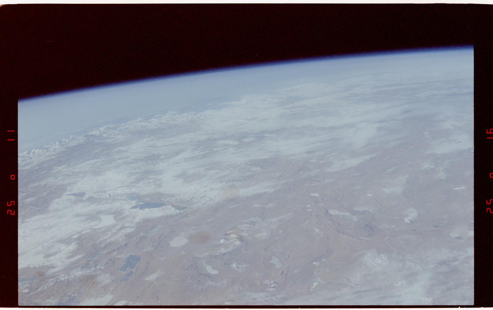 S42-50-018 - STS-042 - STS-42 Earth observations