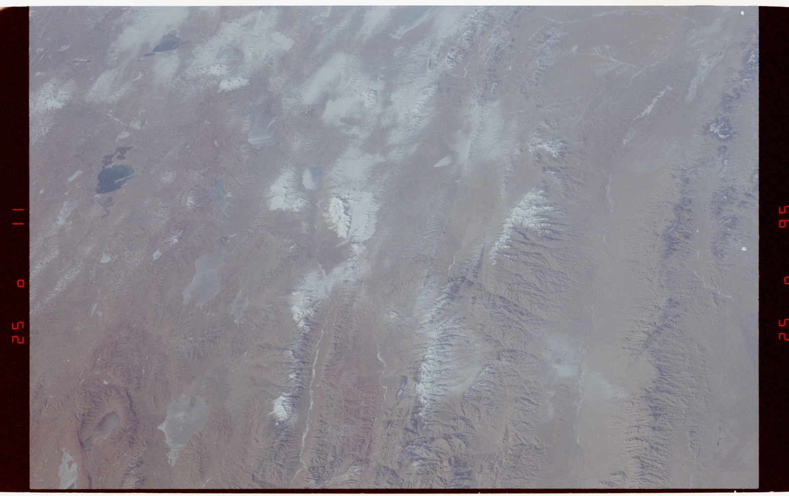 S42-50-023 - STS-042 - STS-42 Earth observations