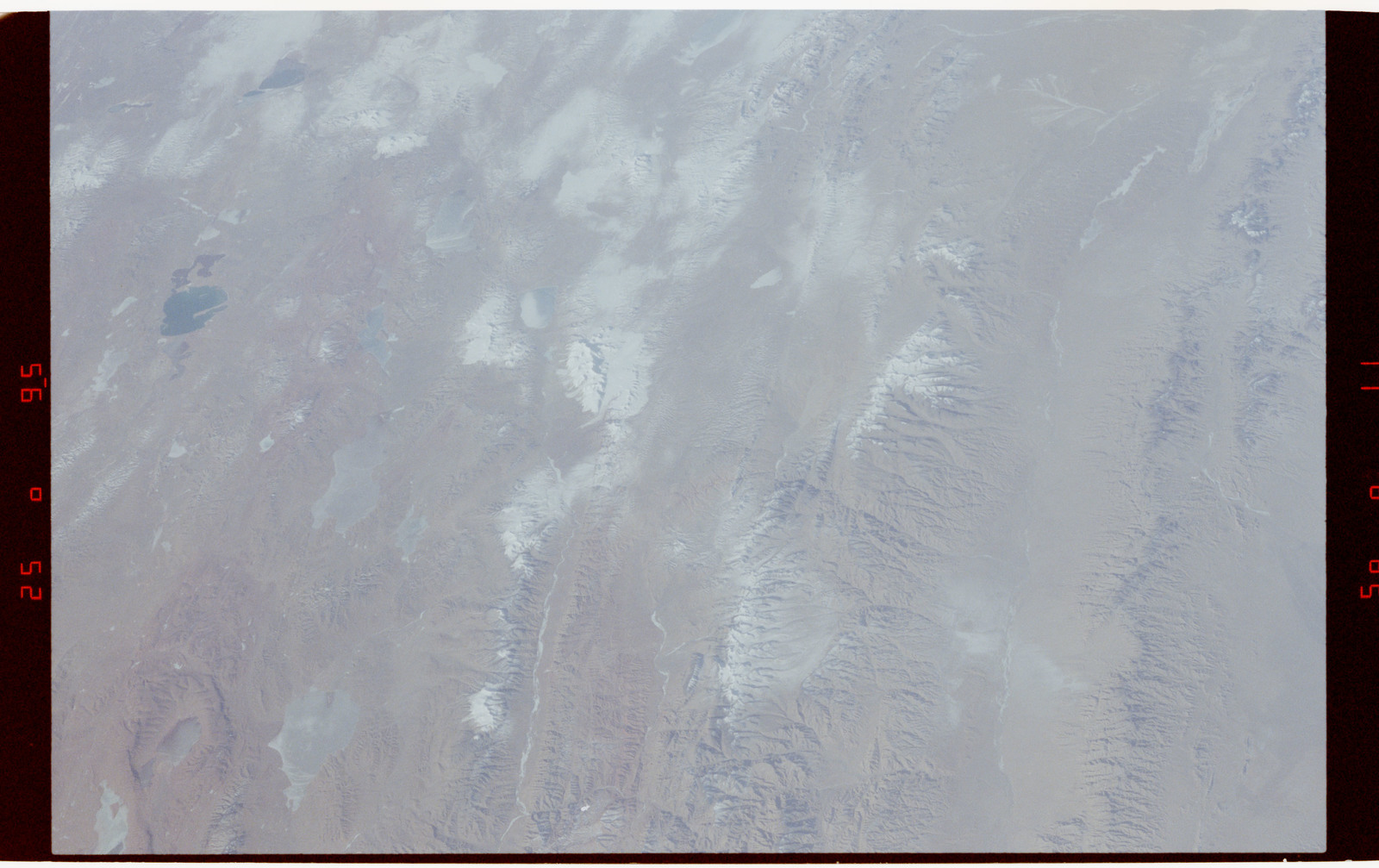 S42-50-024 - STS-042 - STS-42 Earth observations