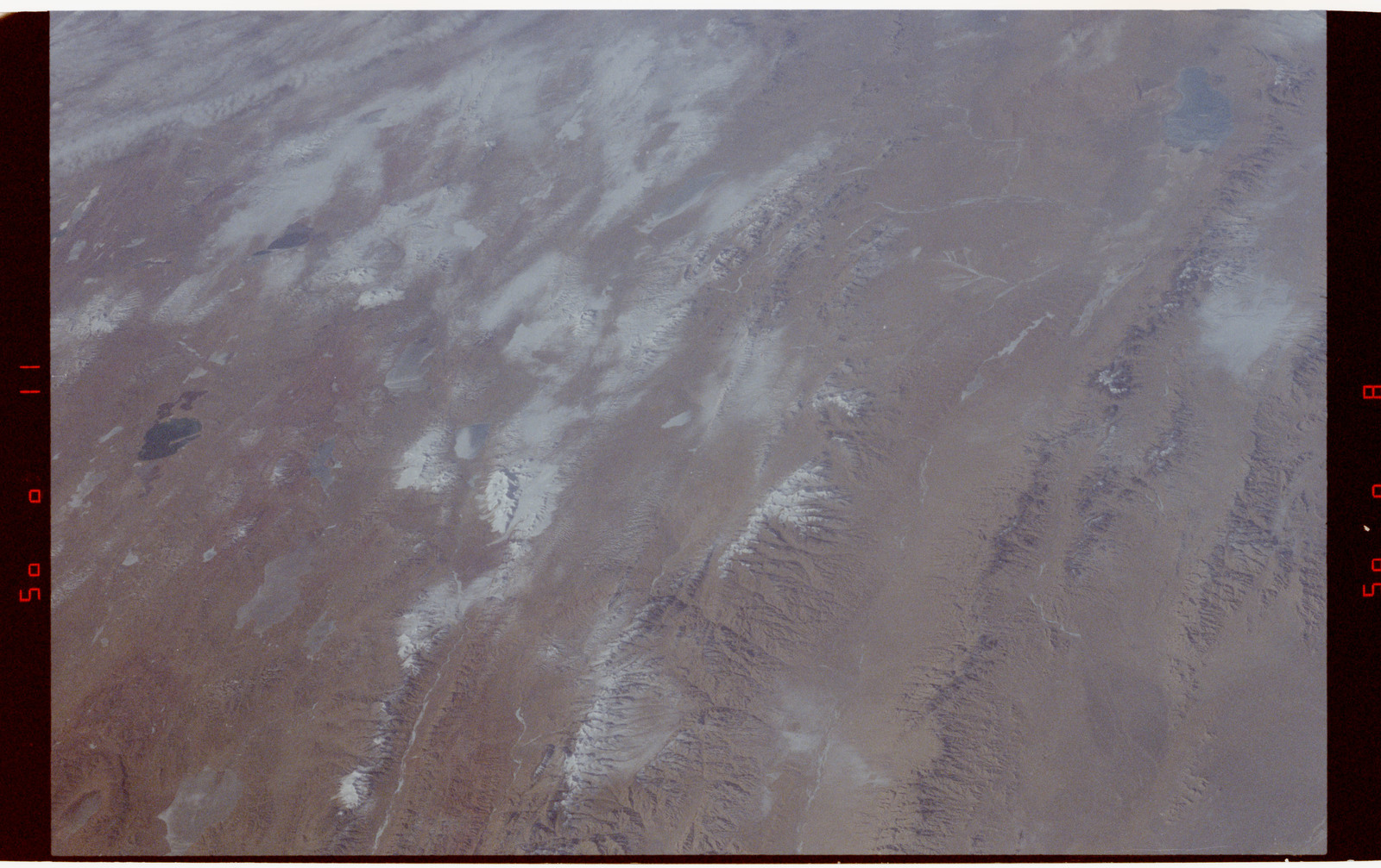 S42-50-025 - STS-042 - STS-42 Earth observations