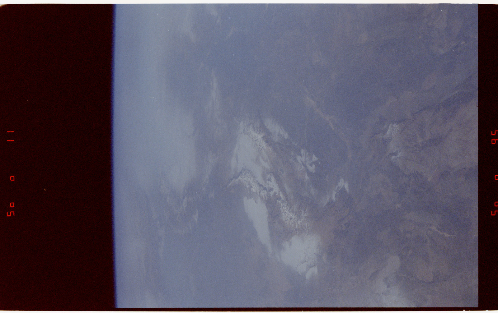 S42-50-031 - STS-042 - STS-42 Earth observations