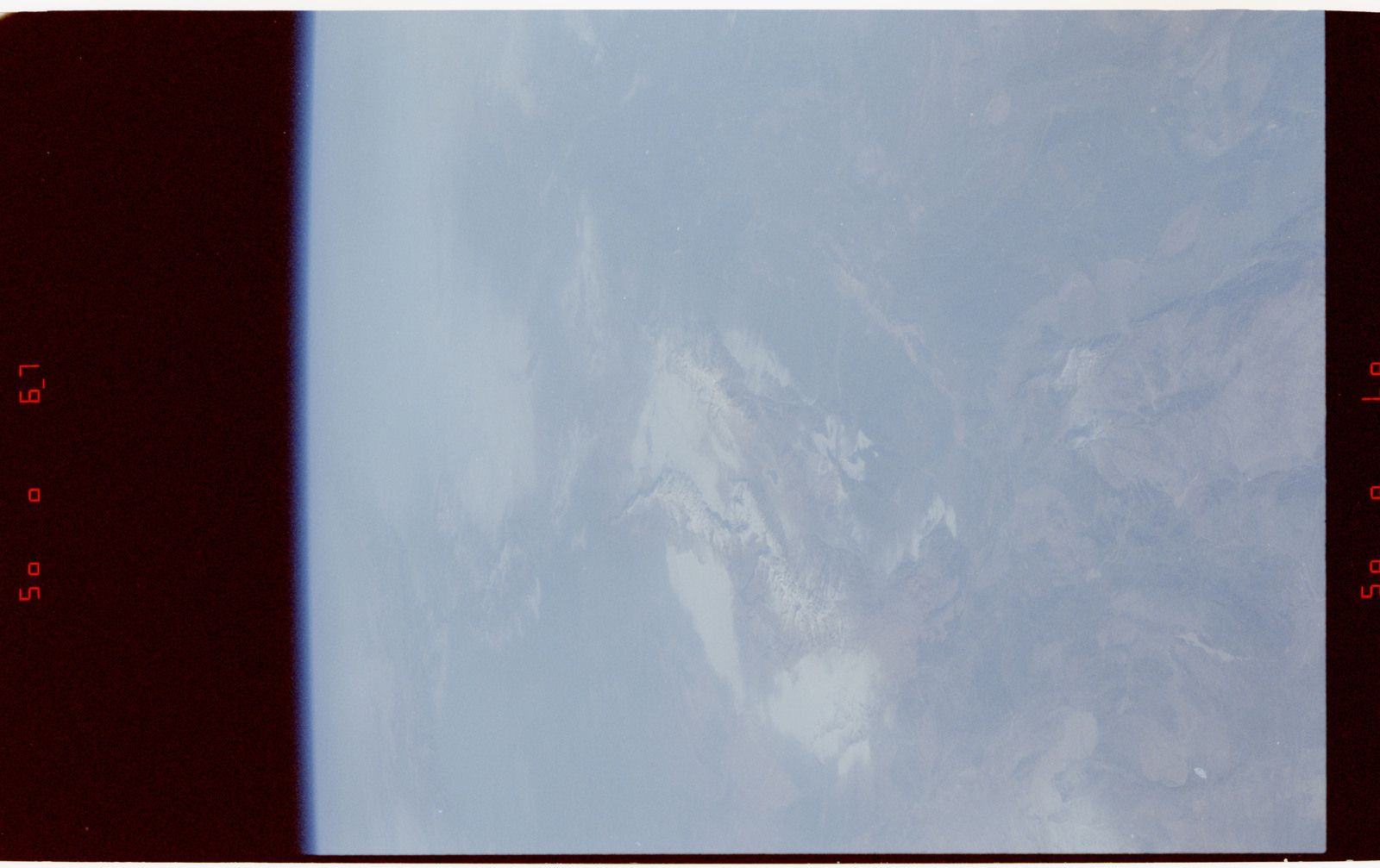 S42-50-033 - STS-042 - STS-42 Earth observations