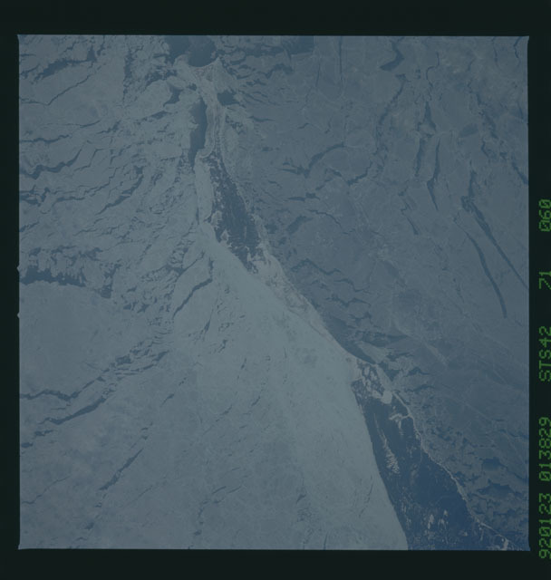 S42-71-060 - STS-042 - STS-42 earth observations