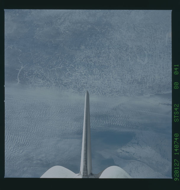 S42-80-041 - STS-042 - STS-42 earth observations