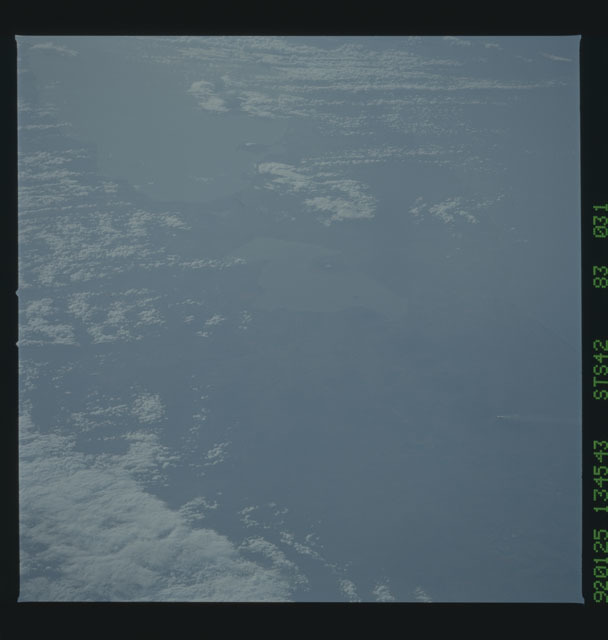 S42-83-031 - STS-042 - STS-42 earth observations