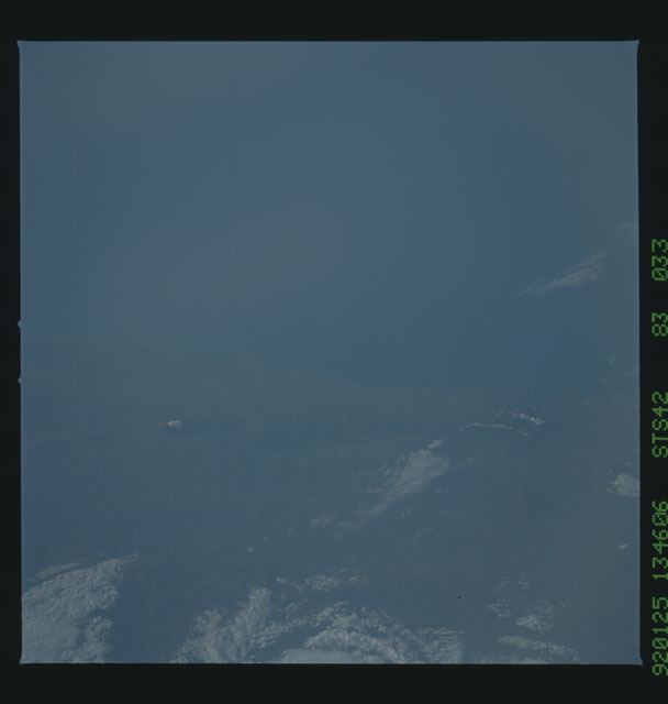 S42-83-033 - STS-042 - STS-42 earth observations