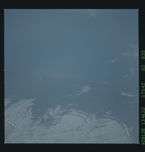 S42-83-035 - STS-042 - STS-42 earth observations
