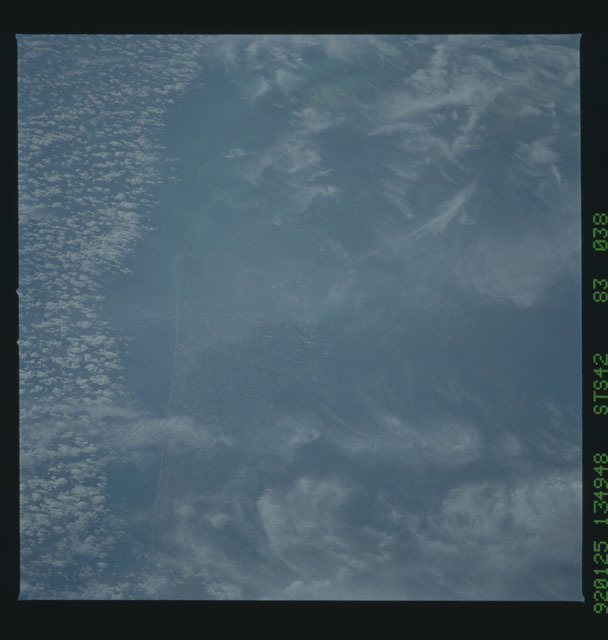 S42-83-038 - STS-042 - STS-42 earth observations