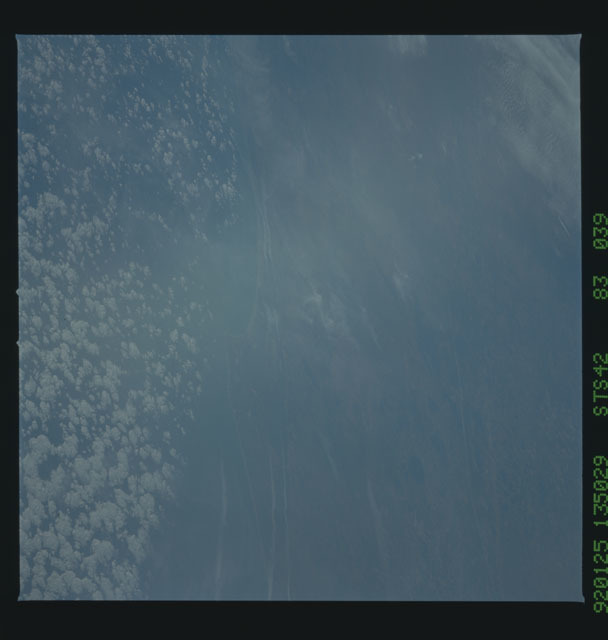 S42-83-039 - STS-042 - STS-42 earth observations