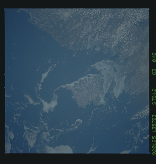 S42-83-048 - STS-042 - STS-42 earth observations