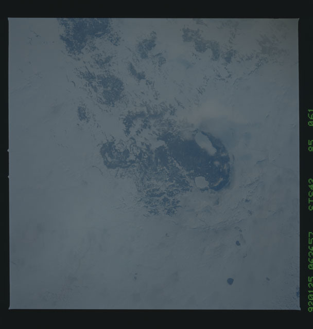 S42-85-061 - STS-042 - STS-42 earth observations