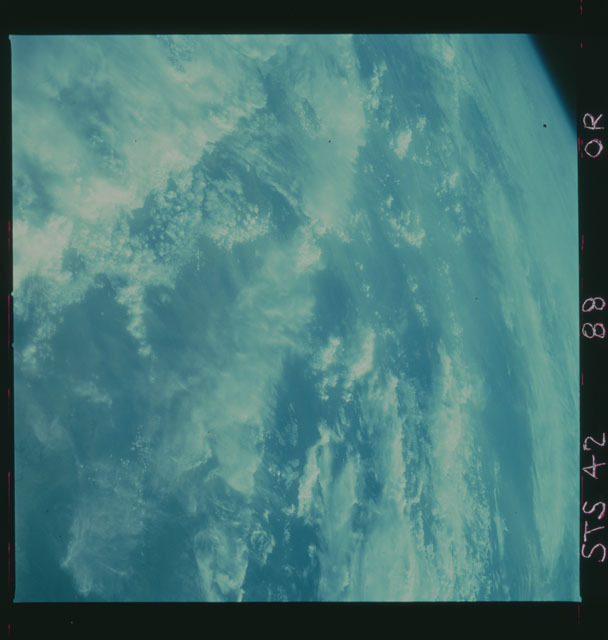 S42-88-0R - STS-042 - STS-42 infra-red earth observations