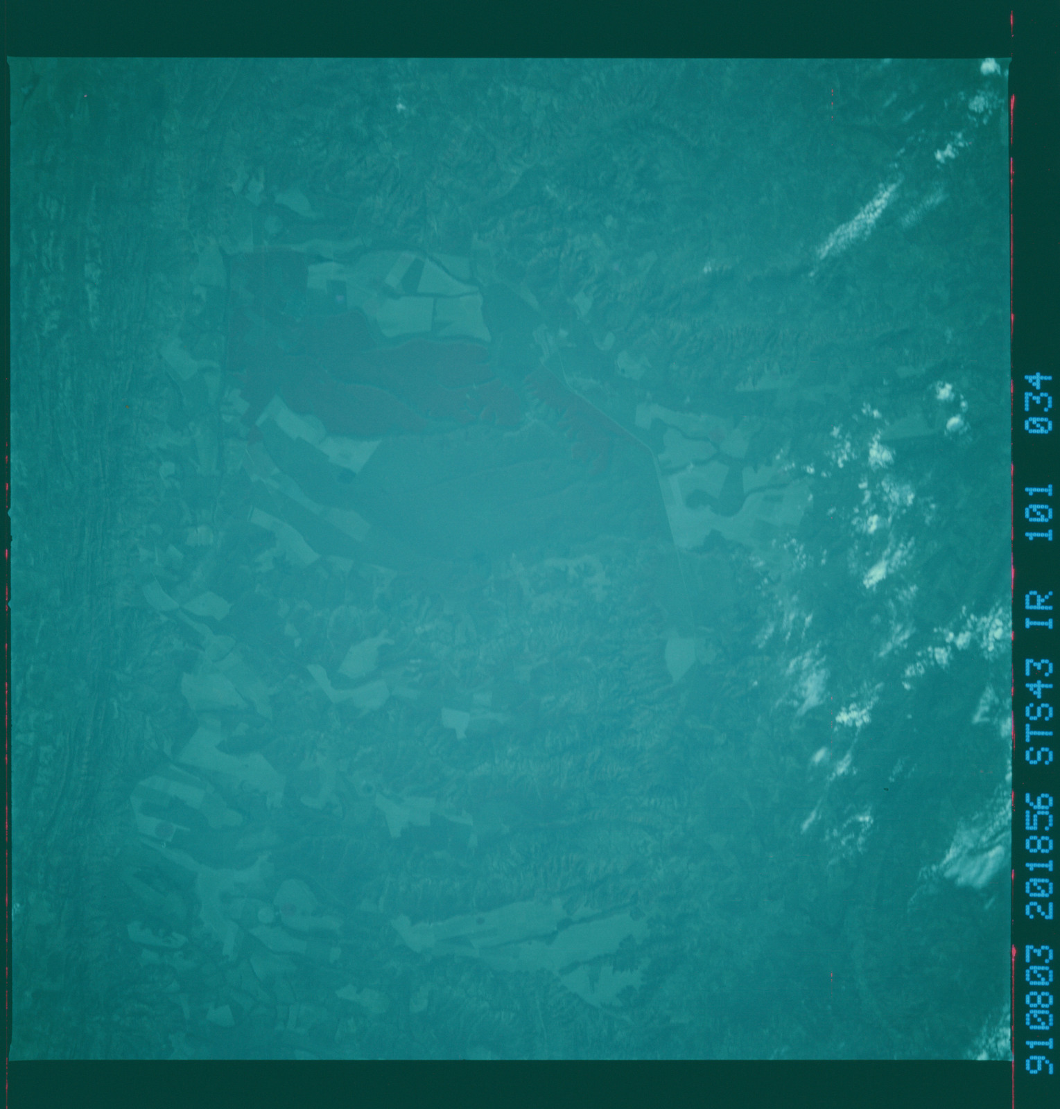S43-101-034 - STS-043 - STS-43 earth observations