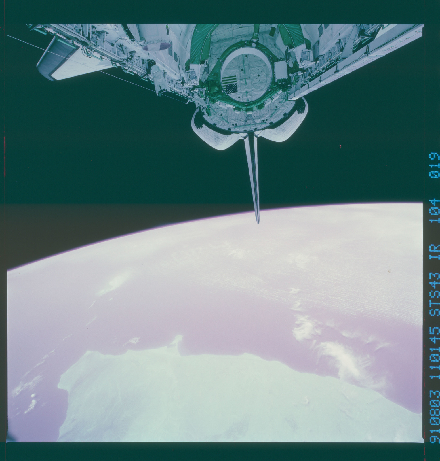 S43-104-019 - STS-043 - STS-43 earth observations