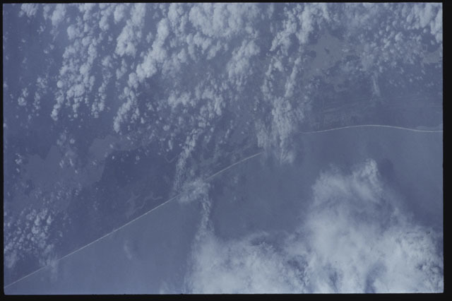 S43-19-025 - STS-043 - Earth observations taken during the STS-43 mission