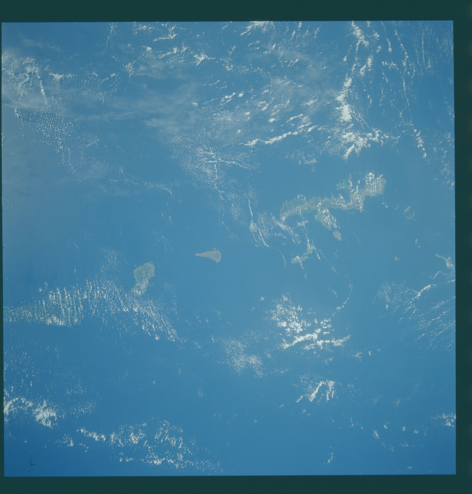 S43-601-062 - STS-043 - STS-43 earth observations