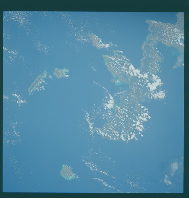 S43-602-041 - STS-043 - STS-43 earth observations