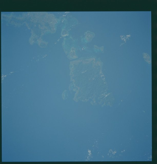 S43-608-037 - STS-043 - STS-43 earth observations