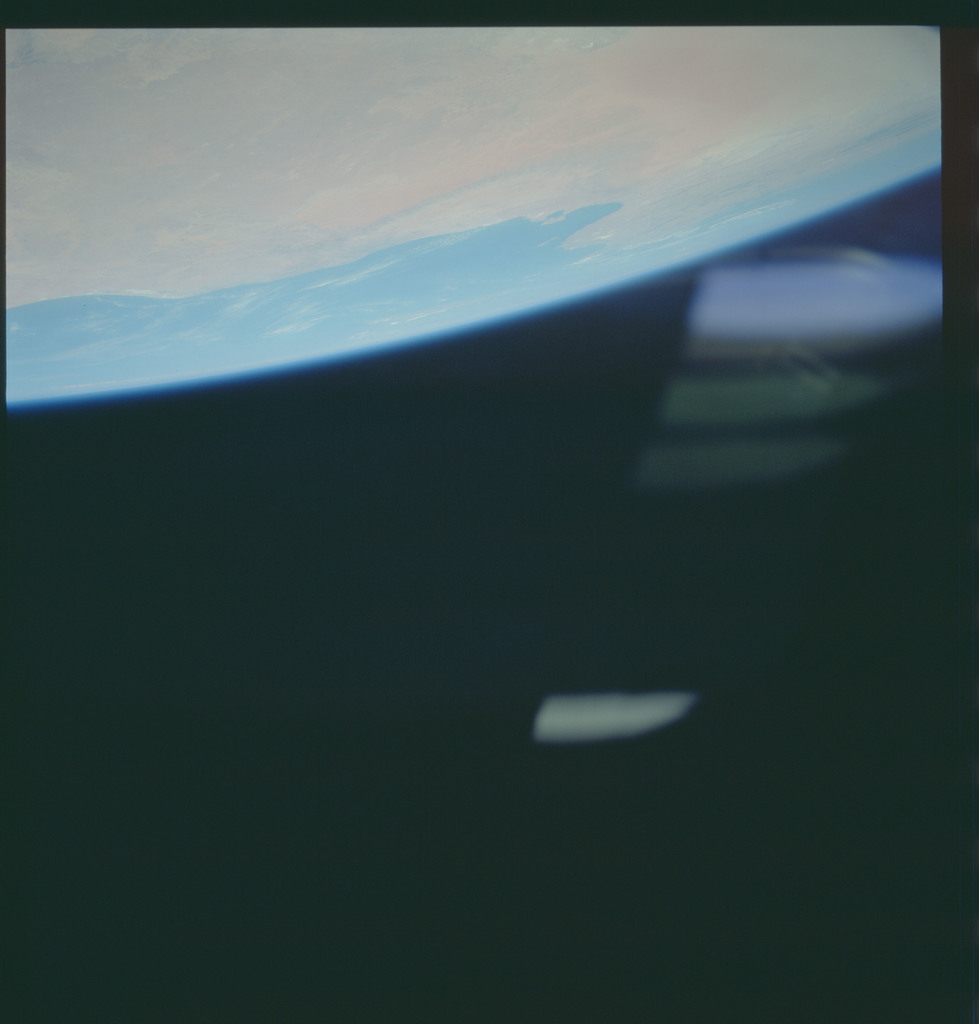 S43-612-037 - STS-043 - STS-43 earth observations