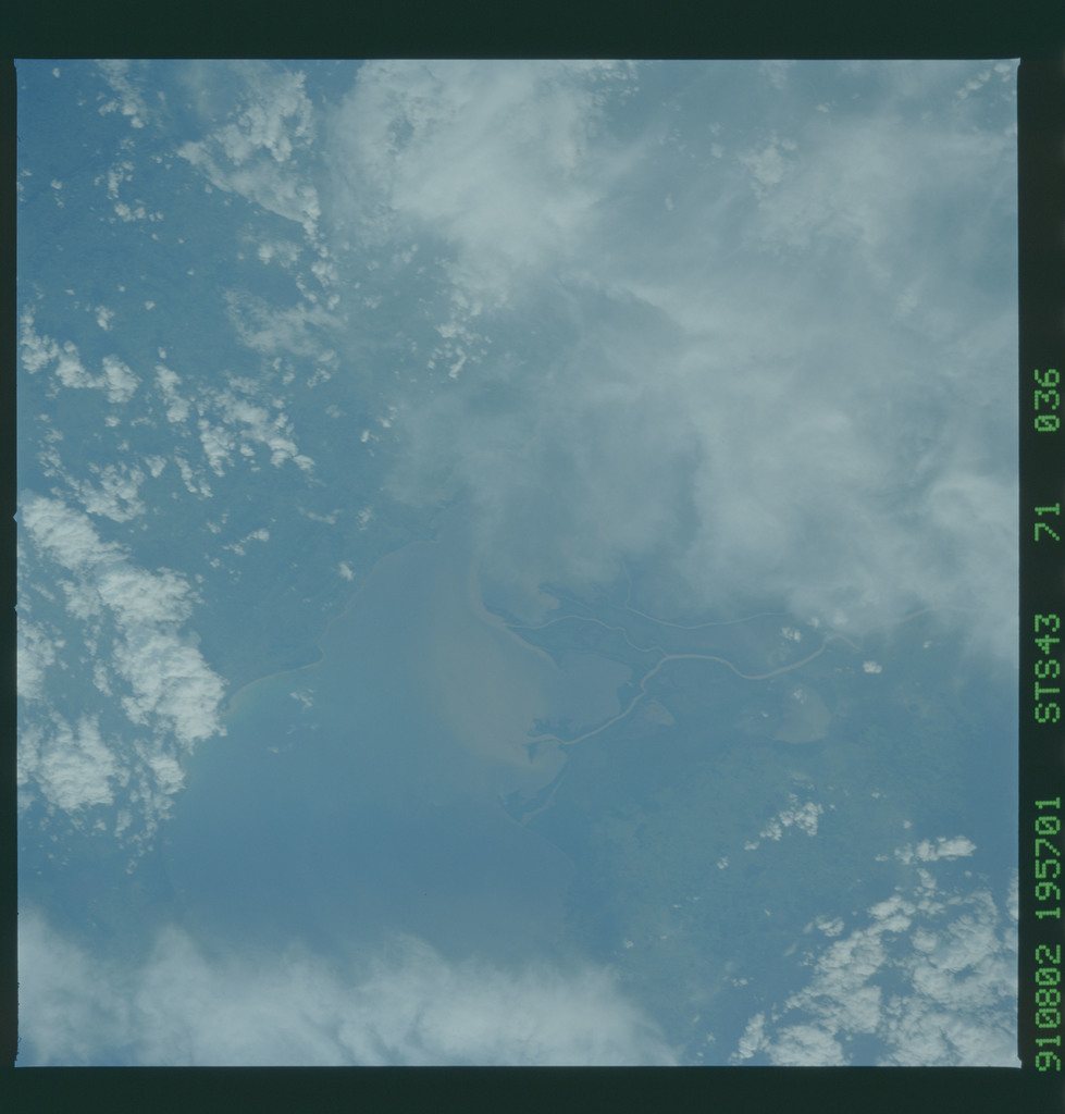 S43-71-036 - STS-043 - STS-43 earth observations
