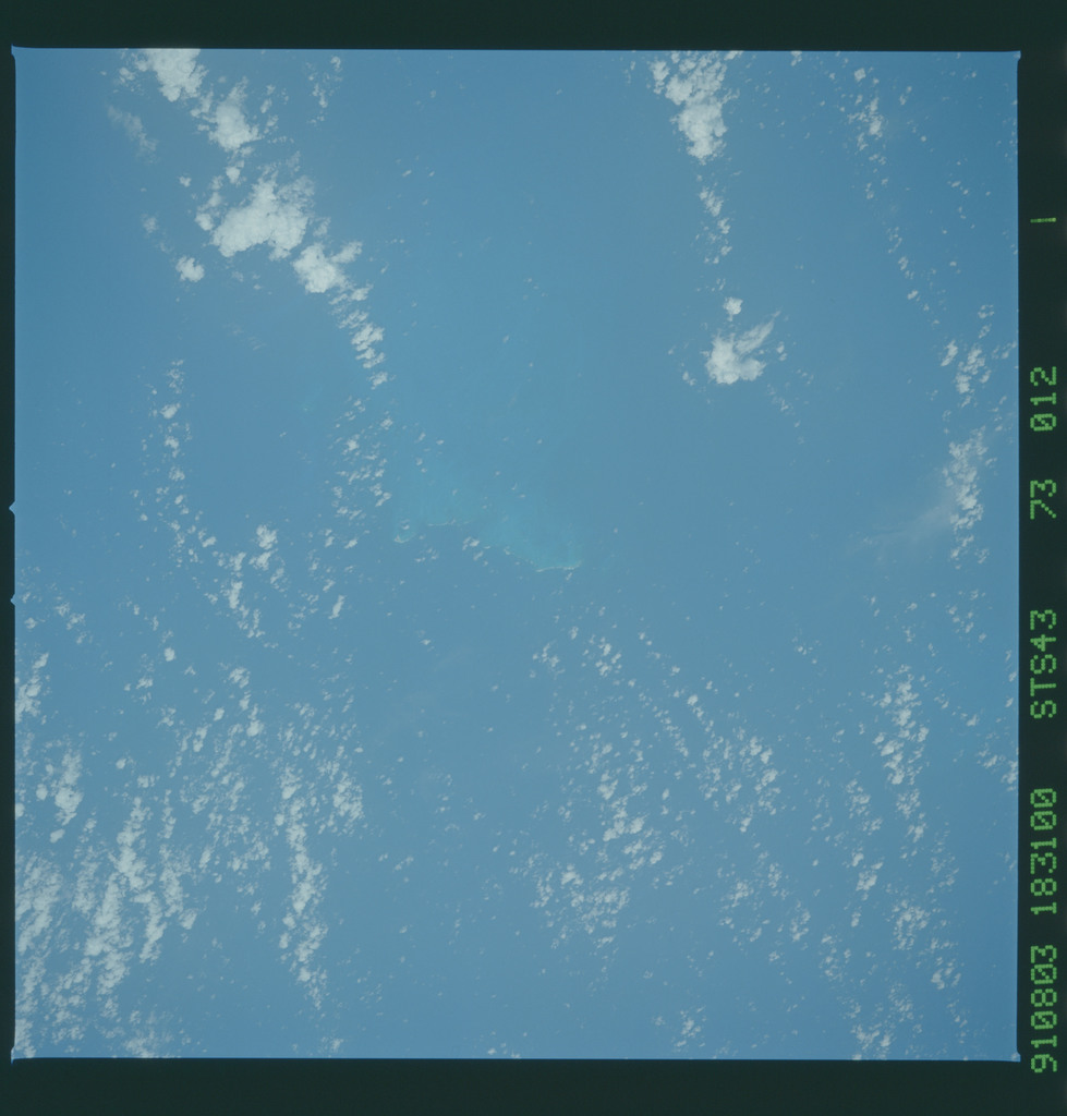 S43-73-012 - STS-043 - STS-43 earth observations