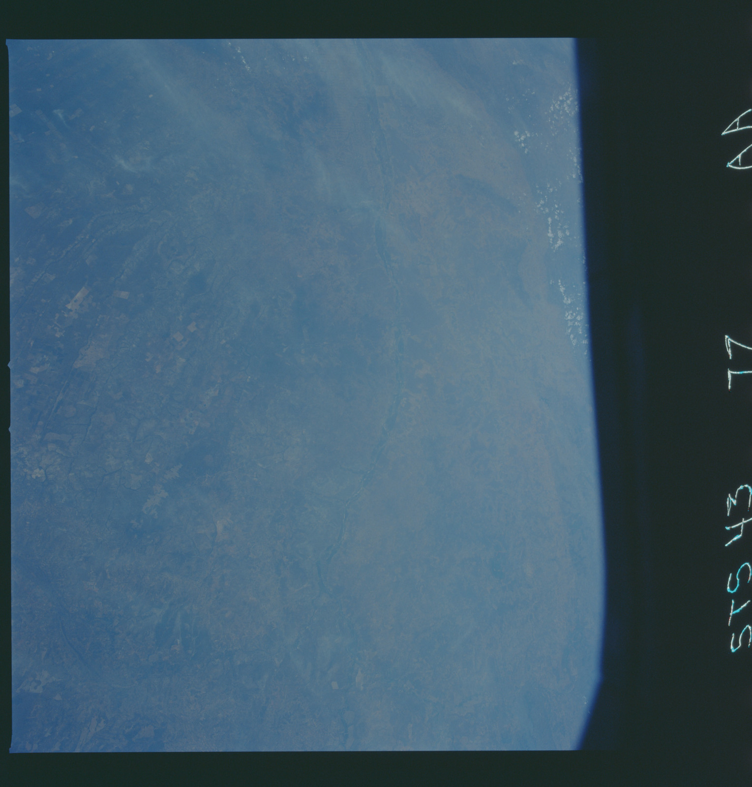 S43-77-000AA - STS-043 - STS-43 earth observations