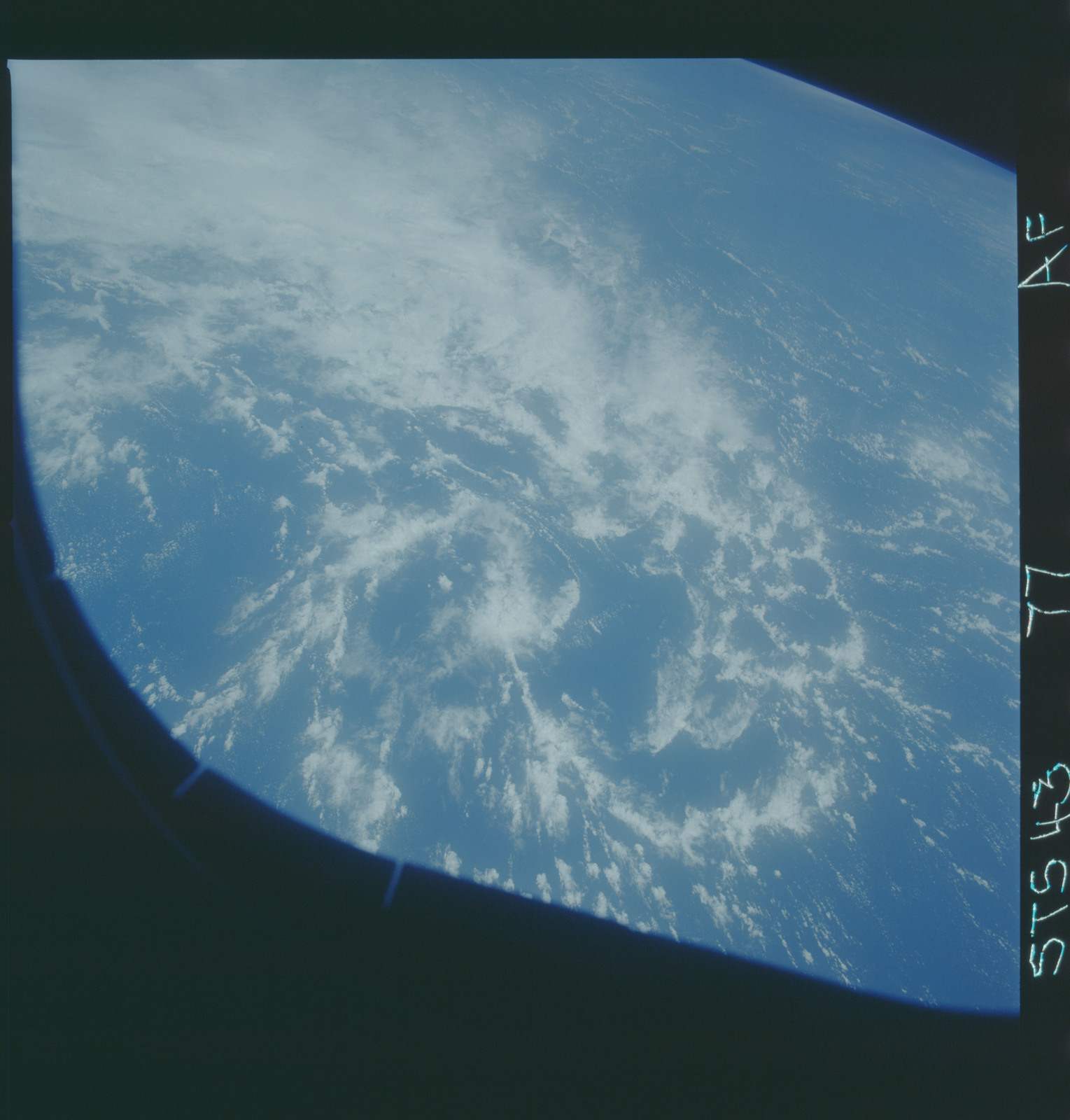 S43-77-000AF - STS-043 - STS-43 earth observations