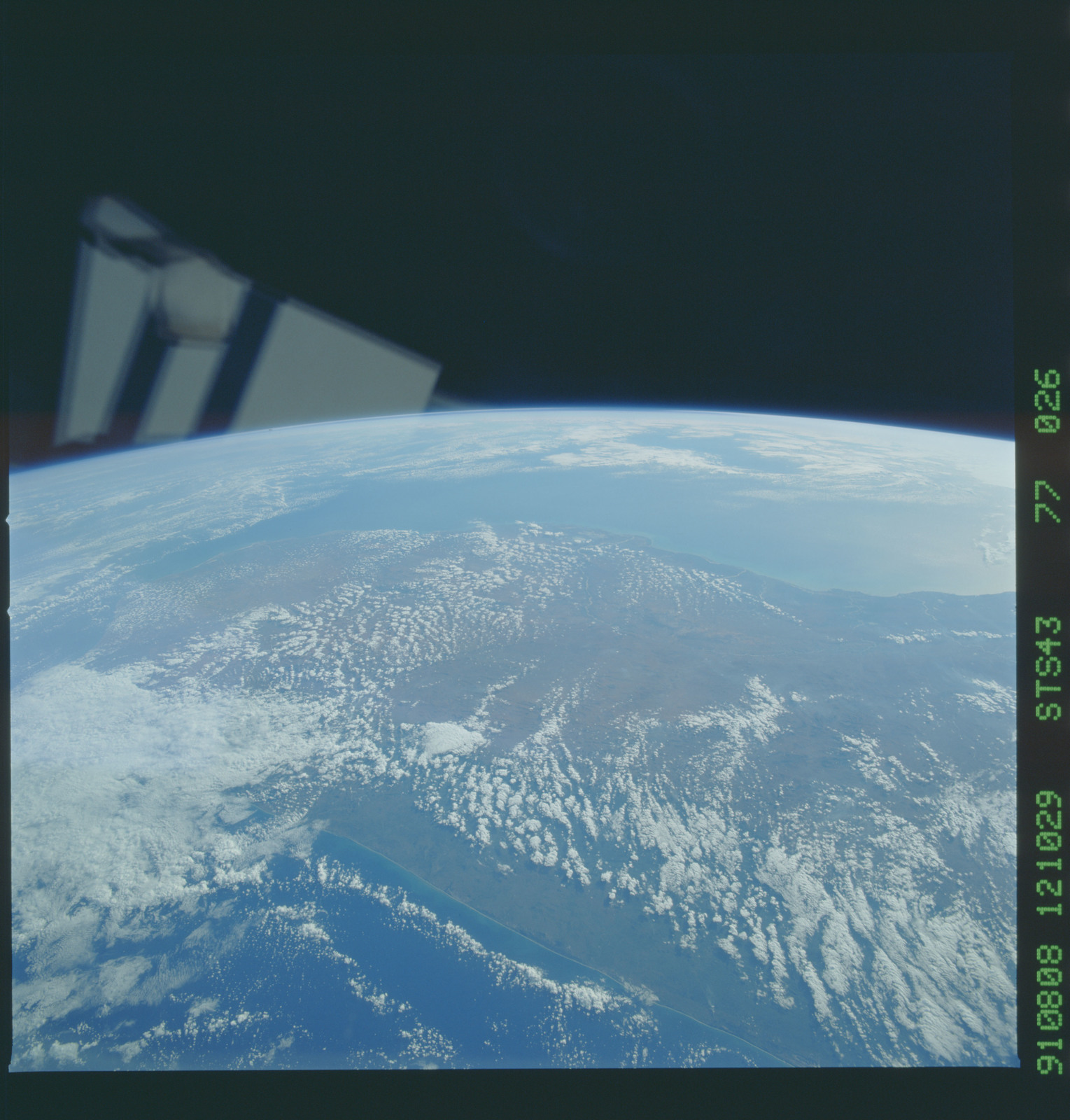 S43-77-026 - STS-043 - STS-43 earth observations
