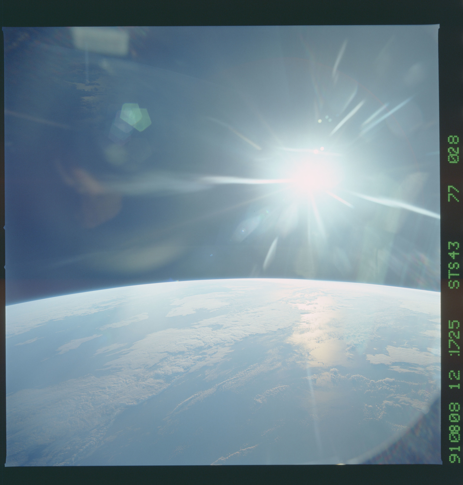 S43-77-028 - STS-043 - STS-43 earth observations