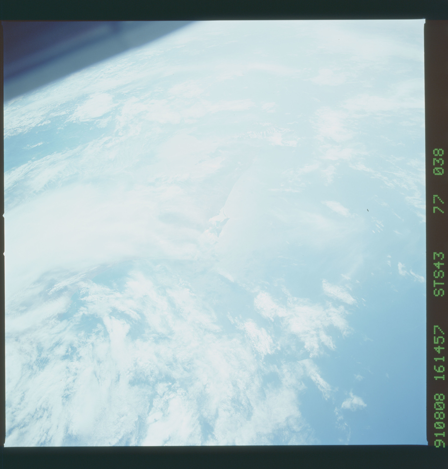 S43-77-038 - STS-043 - STS-43 earth observations